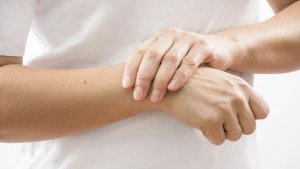 tendinite poignet chirurgie poignet main poignet paris docteur thomas waitzenegger chirurgie epaule chirurgie main chirurgie coude paris 16 longjumeau